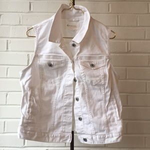 Vince Camuto Bright White Denim Jean Vest Sz L